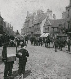 High Street looking west (c1900)